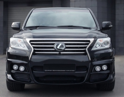 Lexus LX570 (07-12) Бампер WALD BLACK BISON передний