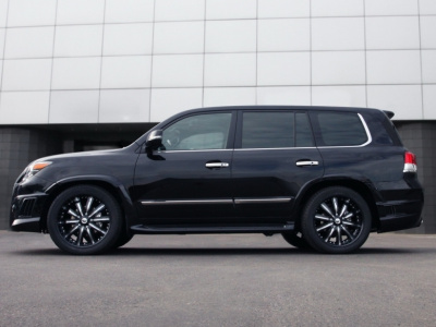 Lexus LX570 (07-12) Бампер WALD BLACK BISON задний